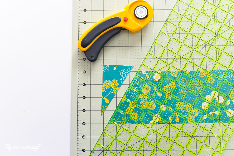 Having a hard time cutting equilateral triangles for your sewing projects? This method makes it simple!