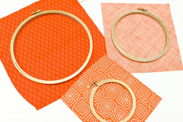 Decorate in a flash -- these easy pumpkin embroidery hoops from @letseatgrandpa take less than 15 minutes to make!