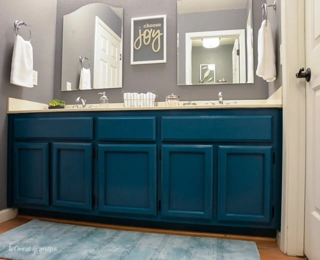 bathroom paint colors, vanity and wall color