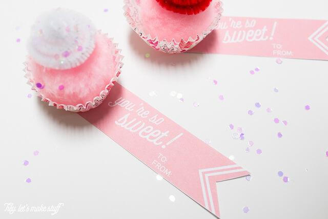 mini cupcake valentines with free printables