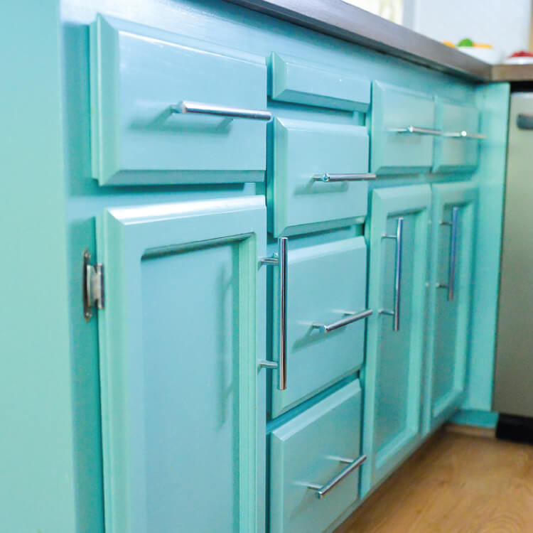 Teal Painted Cabinets - avoid making these five mistakes when painting cabinets!