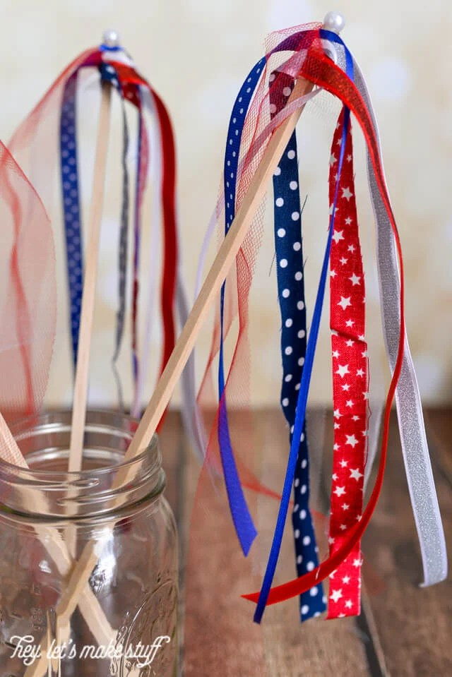 These scrapbusting streamers are perfect for patriotic parades! And they can be made with stuff you probably already have in your stash