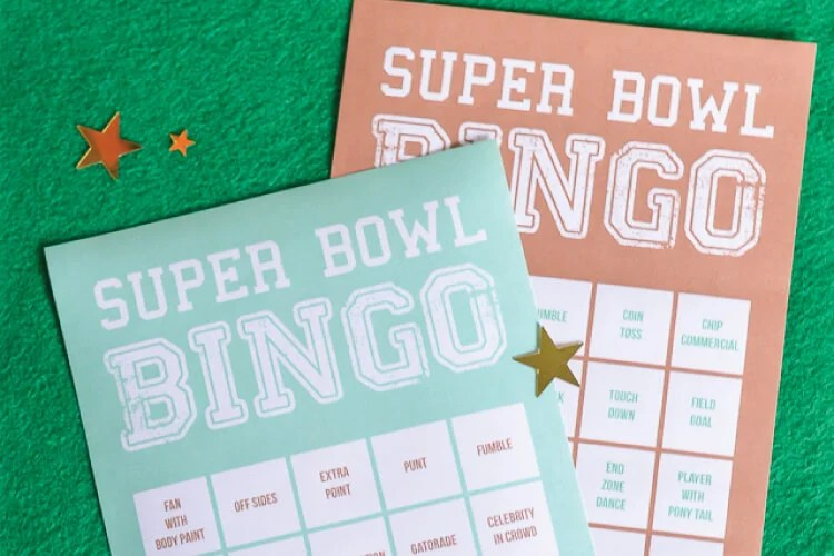Super Bowl Bingo geta the whole family in on the Super Bowl action! Even if they're not football fans, they'll enjoy playing Super Bowl bingo. Includes ideas for prizes and a TON of other fun ideas for game day!