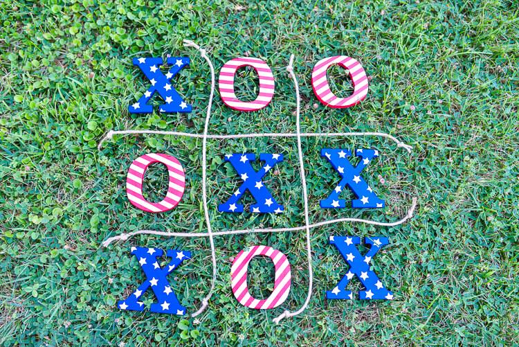 DIY 4th of July tic tac toe lawn game