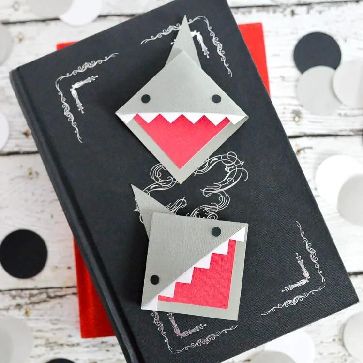 Shark Bookmarks-2