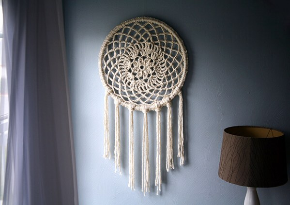 Big Dreams Dreamcatcher -- If you love the delicate, boho style of a dreamcatcher, here are 10+ dreamcatcher tutorials for you to try to make your own!