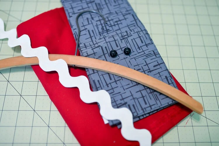 Make laundry day a little more fun with this easy-sew shark clothespin holder! Part of Polka Dot Chair's Summer Sewing series!