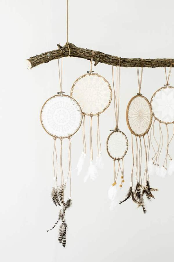 Doily Dreamcatchers -- If you love the delicate, boho style of a dreamcatcher, here are 10+ dreamcatcher tutorials for you to try to make your own!