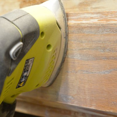 How to Prep Solid Oak Cabinets for Painting