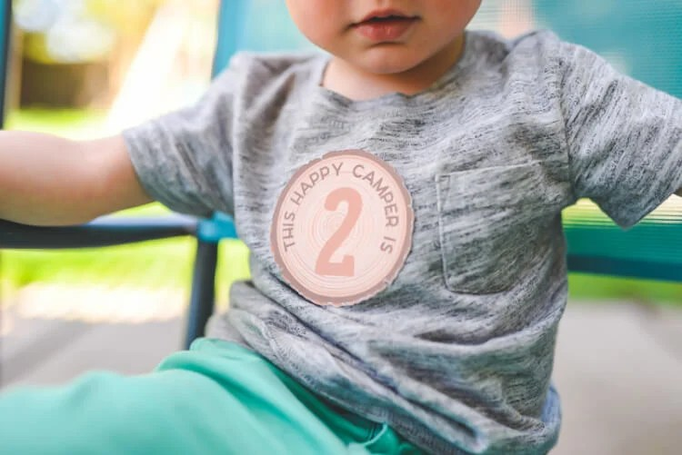 Download these FREE camping birthday stickers for ages 1 to 5! Use Cricut's print-then-cut feature to make this perfect addition to your camping birthday party!