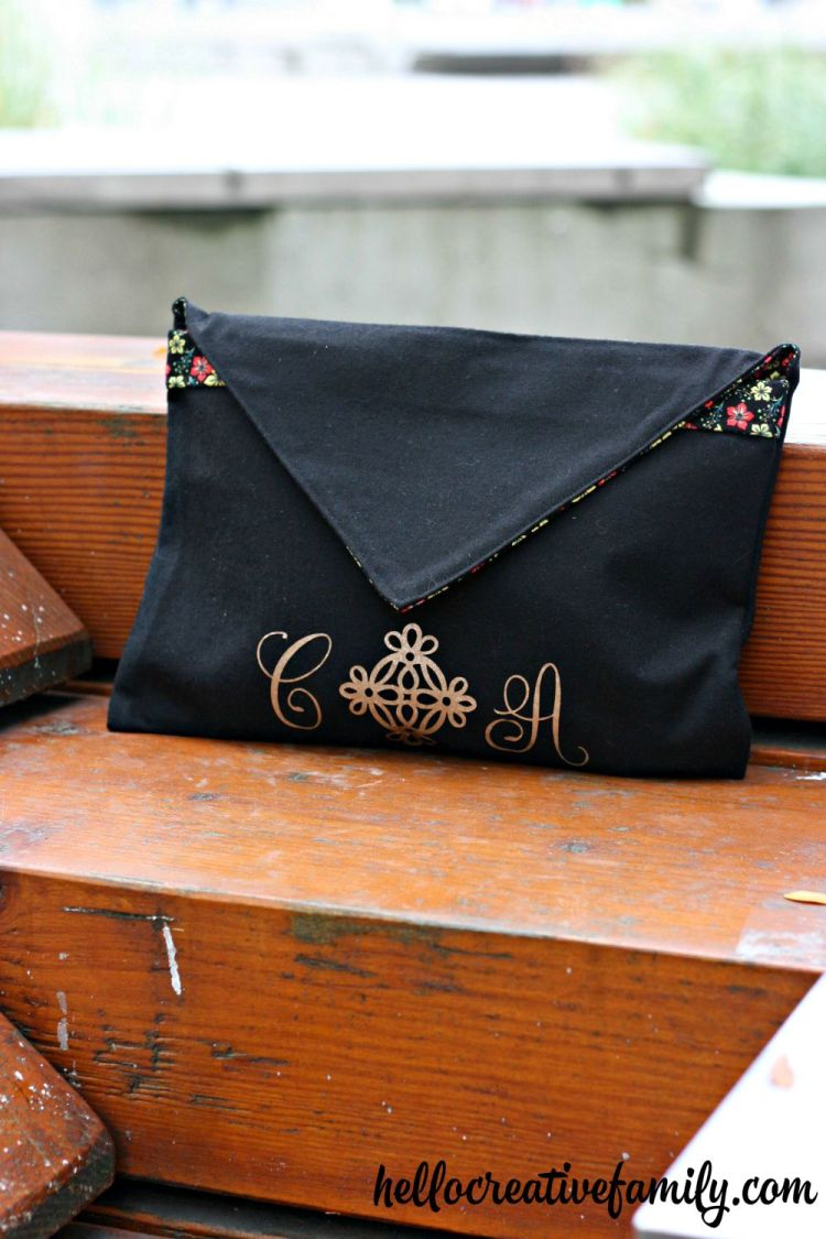 Update A Clutch Purse With Gold Glitter Monogram from hellocreativefamily.com