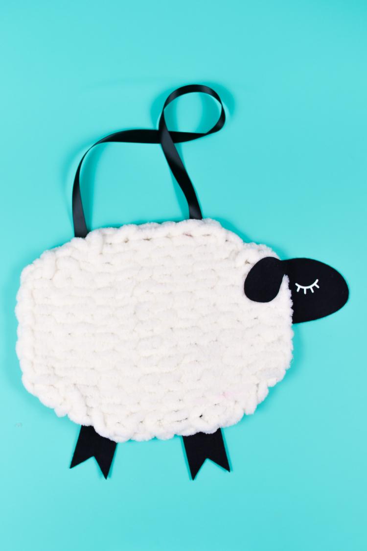 Nursery Decor: Yarn and Felt Sheep - A Loop Yarn Project