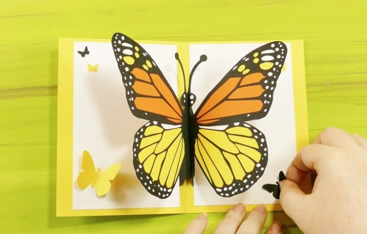 EASY BUTTERFLY CARD: DIY POP-UP TUTORIAL