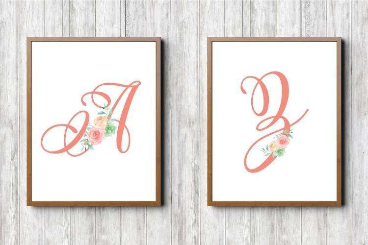 A floral nursery is always timeless. These printable initials are adorned with beautiful flowers. A freebie from heyletsmakestuff.com.