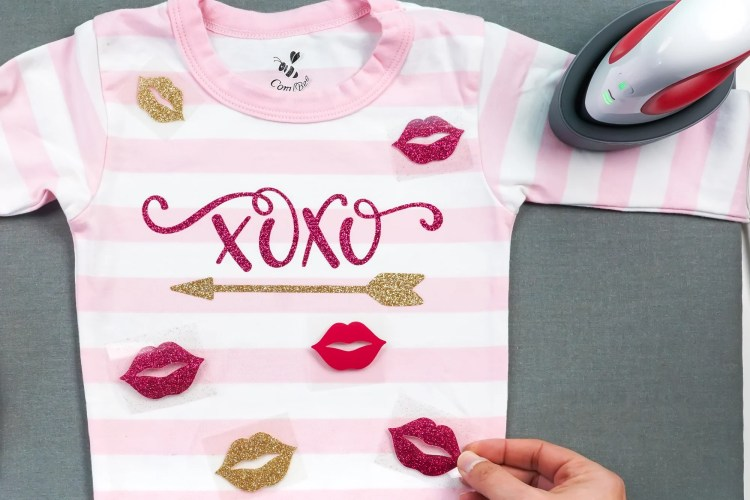 Place your lip decals all over your Valentine's Day pajamas