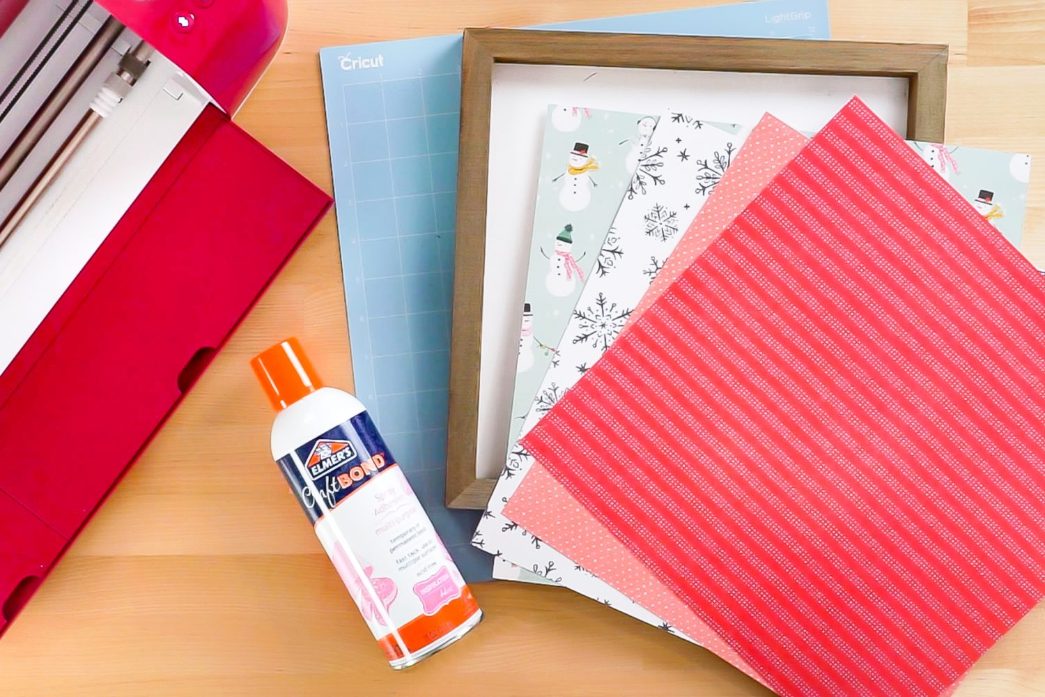 Supplies needed for Christmas paper quilt block project.