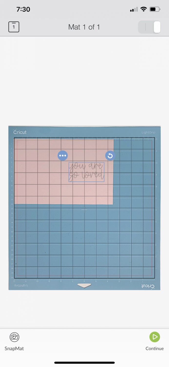 Cricut Design Space iOS: SnapMat showing where to place text on card interior