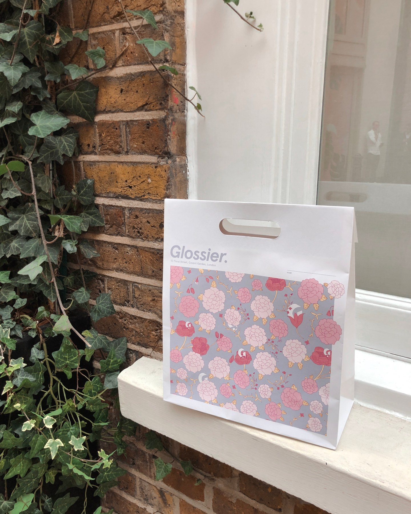 Glossier pop-up store London