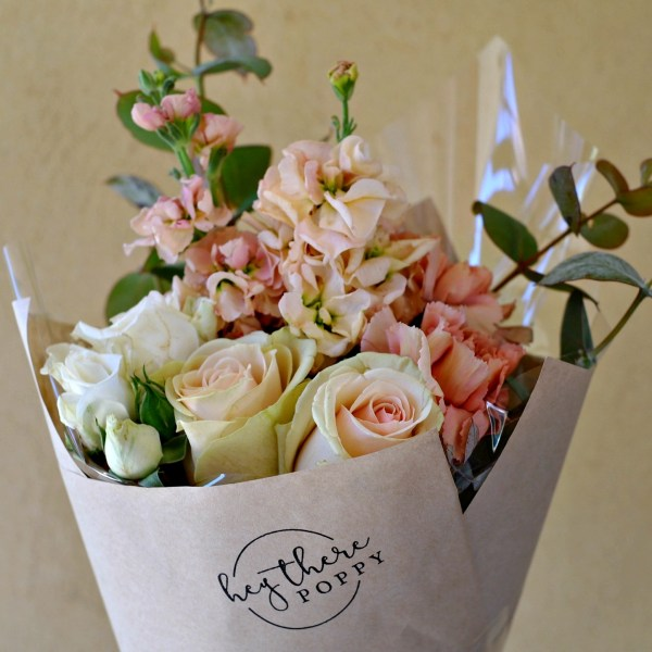 Fresh Flower Daily Posy Blush Mix