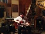 Kevin à la guitare