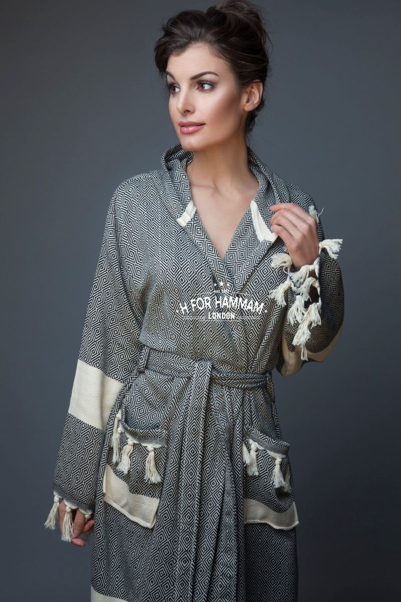 Black-Peshtemal-Bathrobe-H-for-hammam