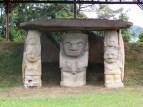 Statue site pré hispanique à la frontière dans la cordillère: où?