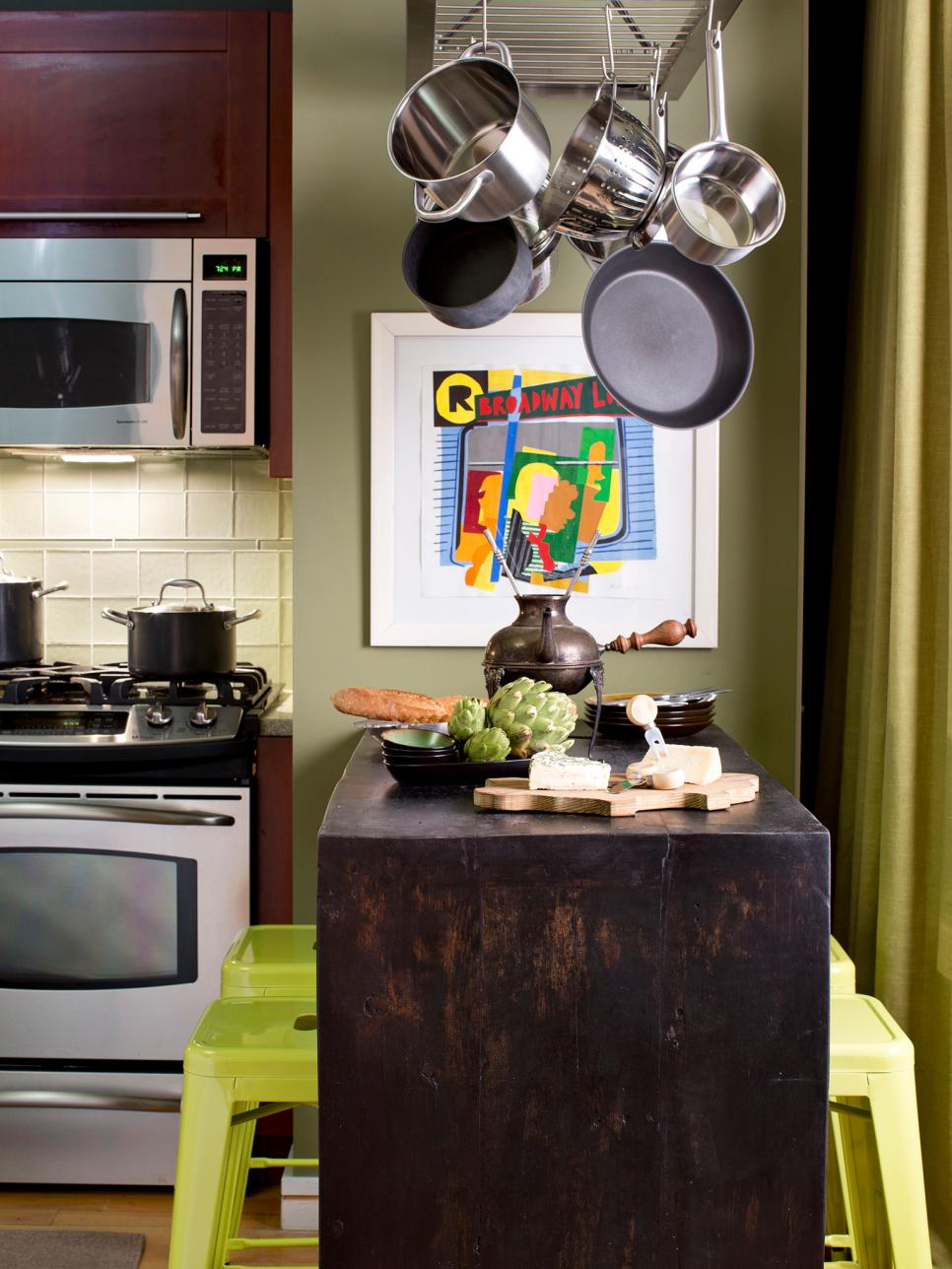 How to Add Dining Space to a Small Kitchen | HGTV on Small Space:fn118Lomvuk= Small Kitchen Ideas  id=30352