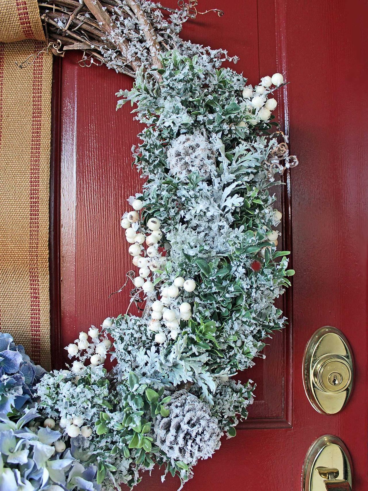 7 DIY Winter Wreaths That Will Take You Past The Holidays