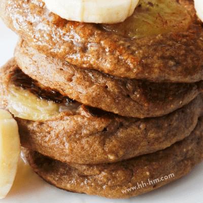 10-Minute Banana Oatmeal Pancakes