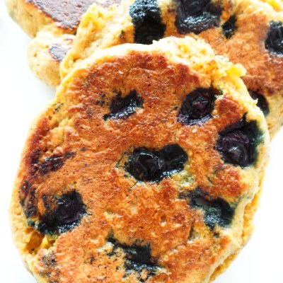 Blueberry Oatmeal Pancakes  (Flourless & Without Banana)
