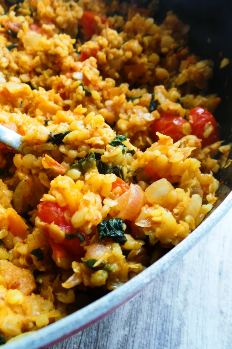 Bulgur, red lentil, butternut squash and mint dinner skillet. You can make this delicious healthy and easy vegan dinner using one large pan and in around 30 minutes!