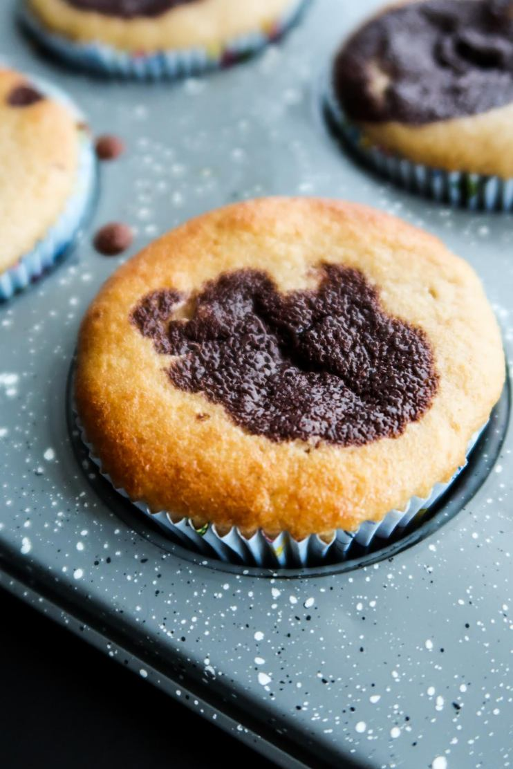 Looking for some healthy easy breakfast ideas to make ahead and want some easy almond flour recipes to use up your almond flour? Try this healthy almond flour muffin recipe, it's super tasty, paleo and gluten free and it has chocolate in it.
