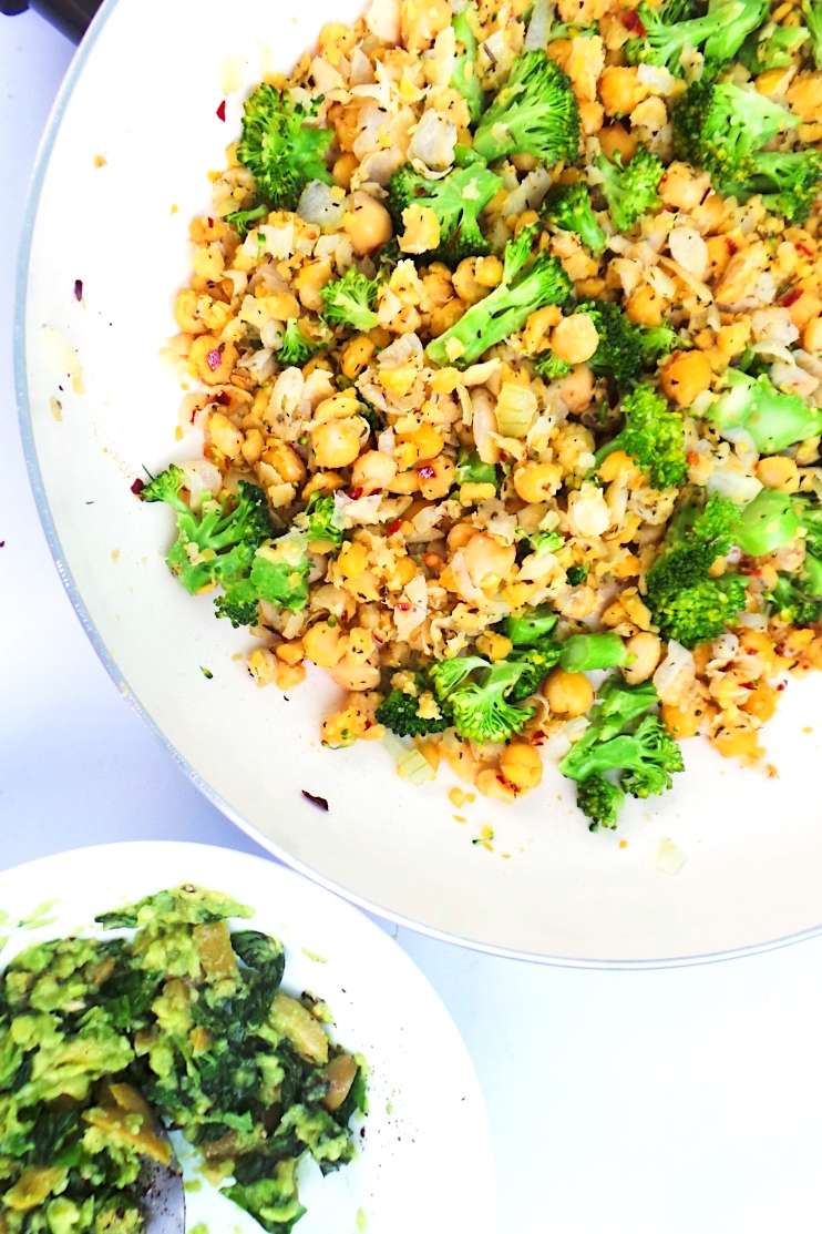 easy chickpea scramble meal prep
