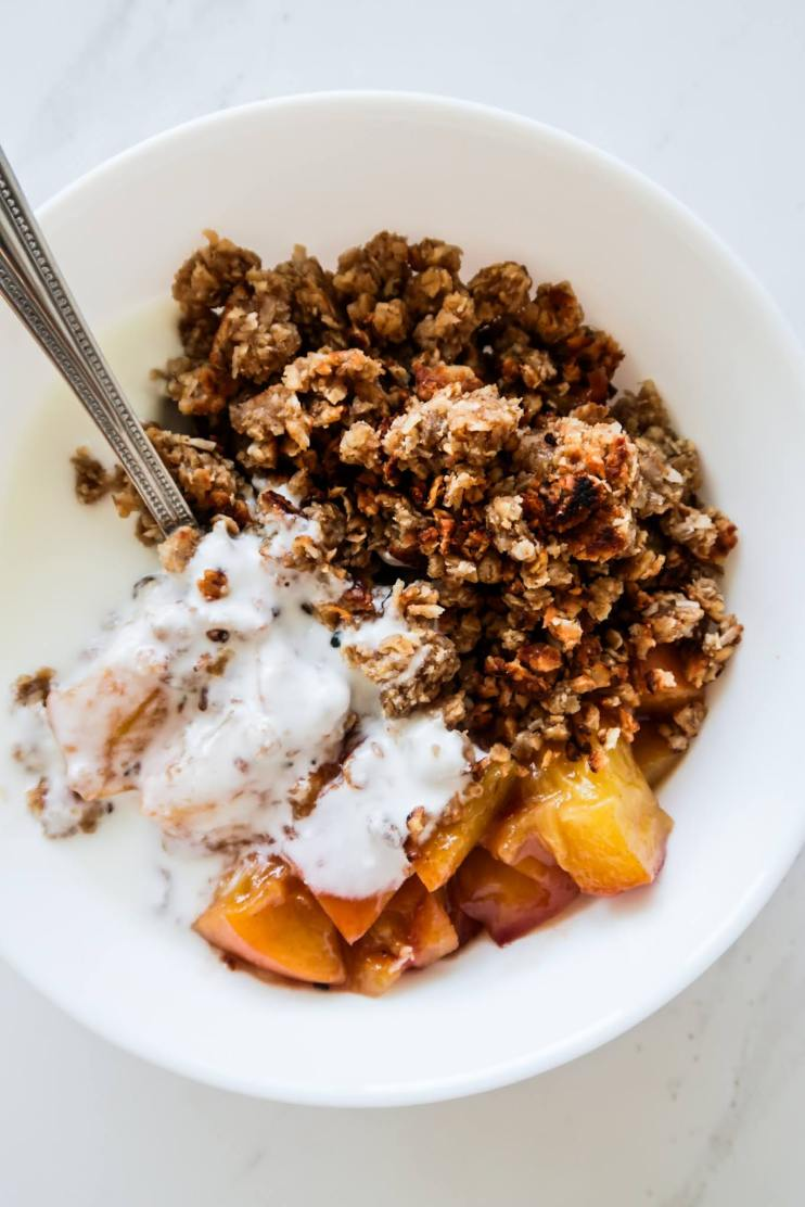 healthy stovetop peach crumble meal prep