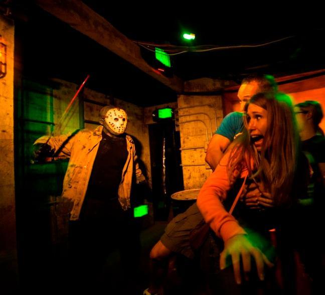 Freddy vs. Jason at HHN25_2_LR