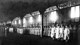 Hamburg 1905: Kaiserliche Schutztruppen für Deutsch-Südwestafrika werden verabschiedet. | CC-BY-SA-3.0, Bundesarchiv ,Bild 146-2008-0178, Franz Spenker