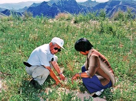 Joe in China. (Tsukamoto Family Collection)