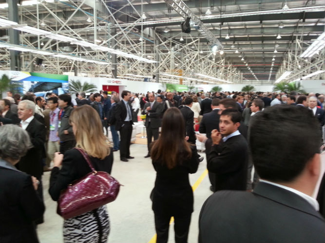 Chery inaugura fábrica de automóveis no Brasil