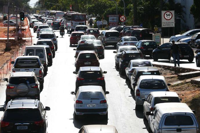 Greve dos caminhoneiros atrapalhou as vendas de veículos (Foto: Antonio Cruz/Agência Brasil)