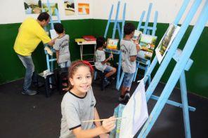 Exposição e encontro solidário auxiliam instituições