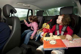 Viagem de carro com crianças (Foto: Facility/Reprodução)