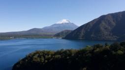 本栖湖(Lake Motosu)