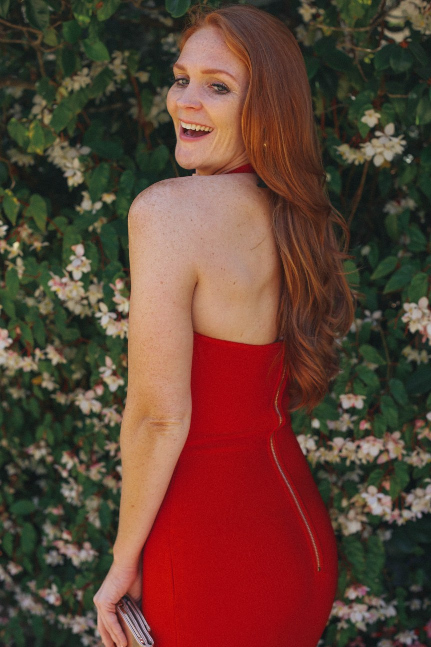 Sexy blog red dress for the holidays or a perfect date night