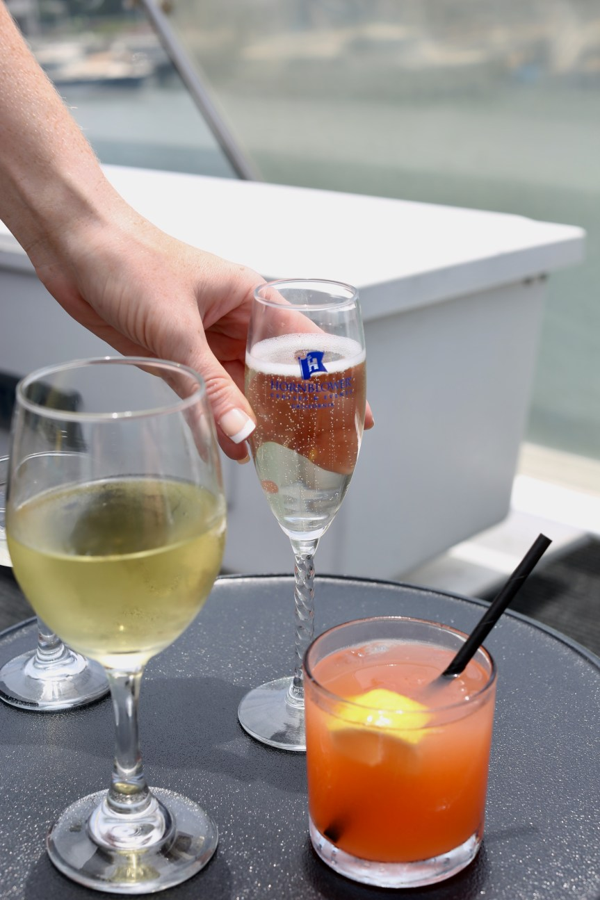 Champagne brunch cruise on Hornblower reviewed by travel blogger bella hibbs drinks