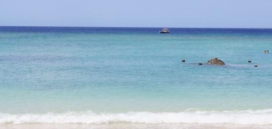 10月沖縄の海