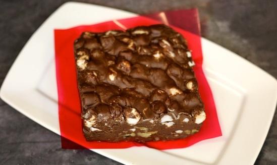 節分豆でチョコクランチ