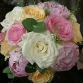 bouquet de mariee rose, pêche et blanc