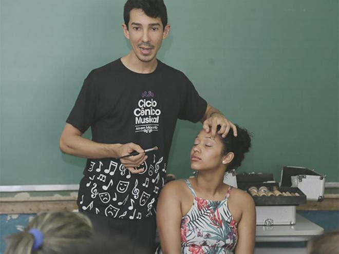 Hibridus tem oficinas de maquiagem, dança e música, jogos infantis e artesanato