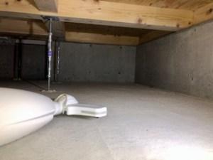 基礎断熱の床下 掃除