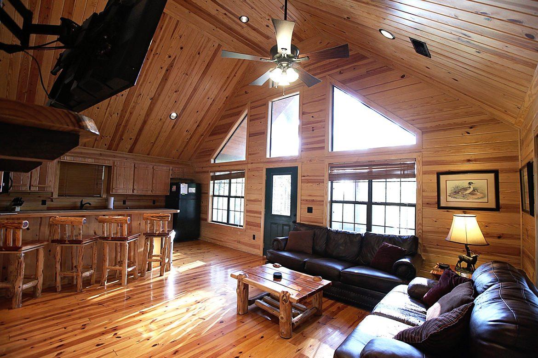 Gray Wolf Lodge Cabin In Broken Bow OK Sleeps 4